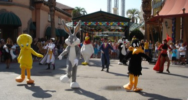 The Hollywood Dancers show has live music with actors, dancers and, of course, your favourite Looney Tunes characters.