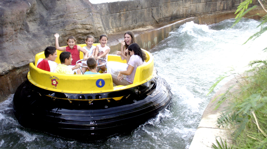 The fun water rides are the most appealing to visitors to Isla Mágica in summer.