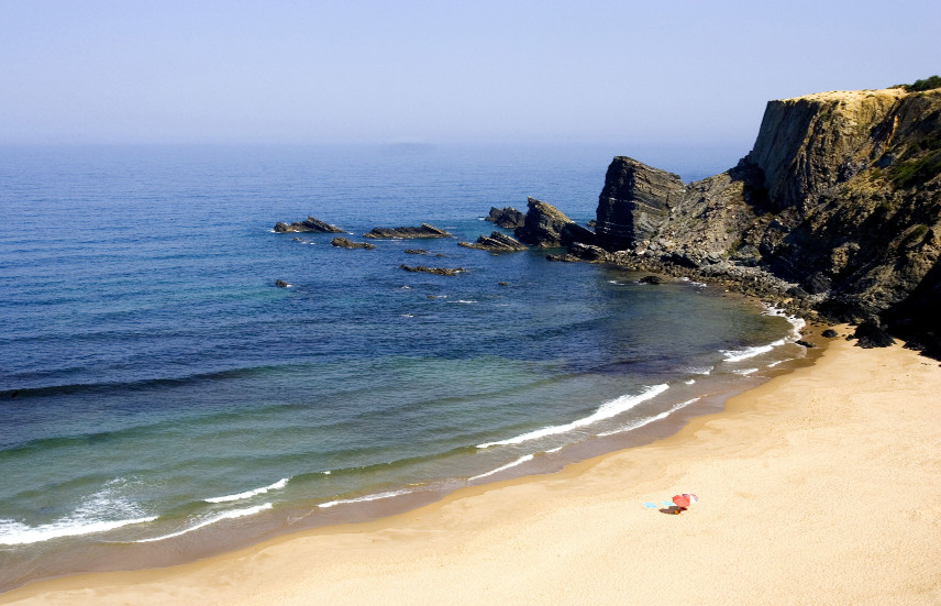 Surrounded by cliffs, the Zambujeira beach is one of the loveliest corners of Alentejo.