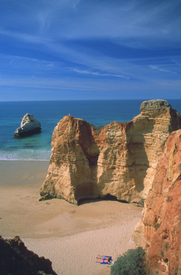 Lagos, on the Algarve, offers beautiful beaches that are full of tourists in summer, especially the Punta de Piedade beach.