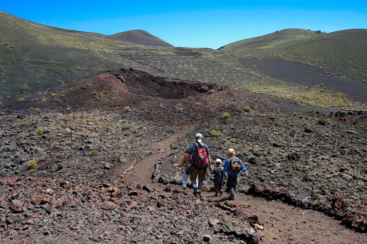 LaPalma_Caminando-entre-volcanes_P.-Fernández